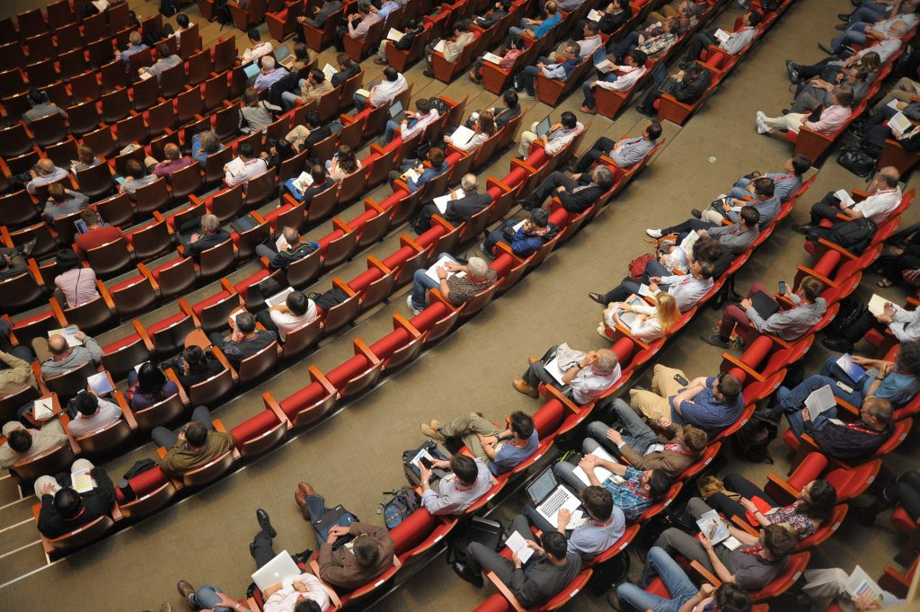 blogging vs insta audience